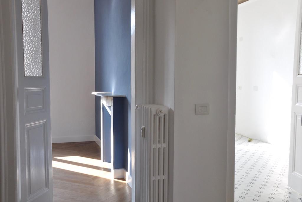Casa su due piani con sottotetto nel centro di torino for Piani di studio a casa