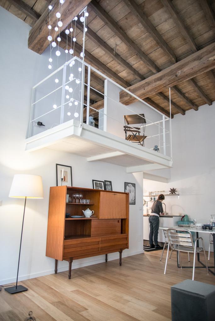 Delle Orfane- soggiorno- mobile vintage